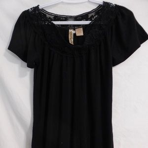 Eyeshadow, black, short sleeve top with lace neck